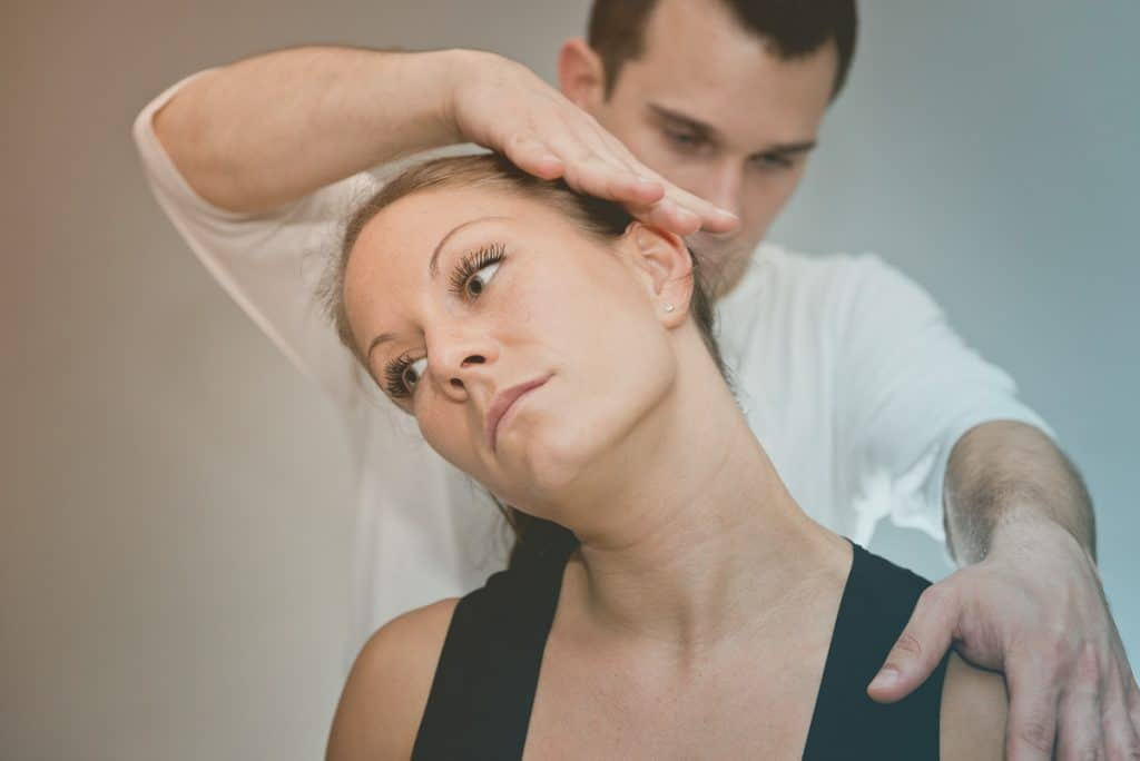 chiropractic-neck-adjustment